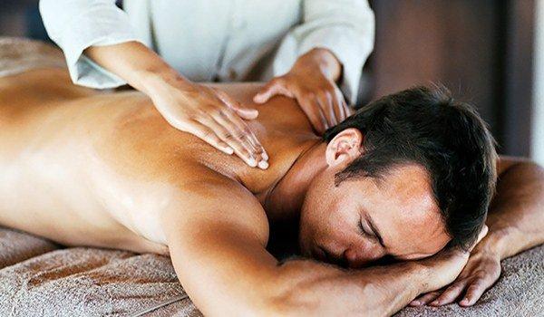 массаж спинных мышц