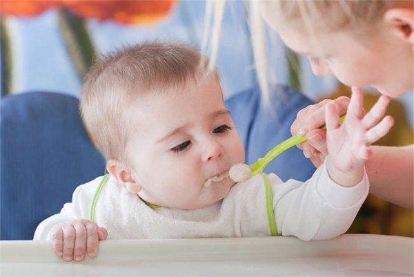 ранний прикорм как причина аллергии