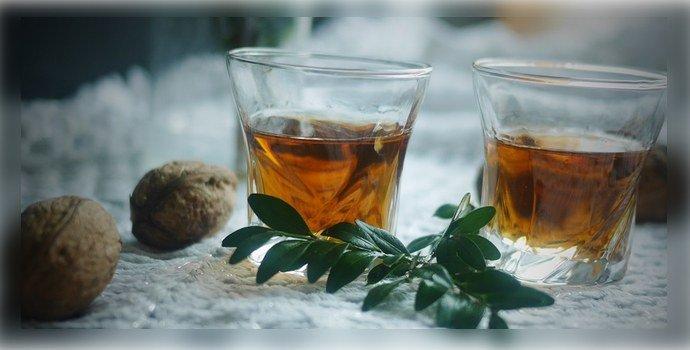 Грецкие орехи с водкой и медом