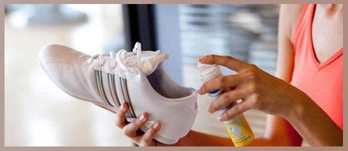 Обработка обуви спреем