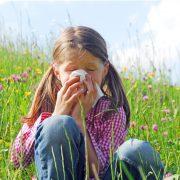 Летняя аллергия у детей: способы борьбы и помощь
